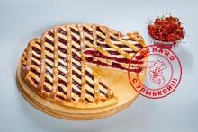 Сладкий пирог с красной смородиной
