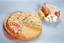 Осетинский пирог с сыром, грибами и картошкой